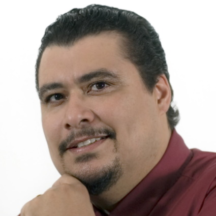 Headshot of Nelson Martínez