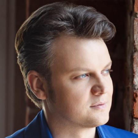 Headshot of Dmytro Popov