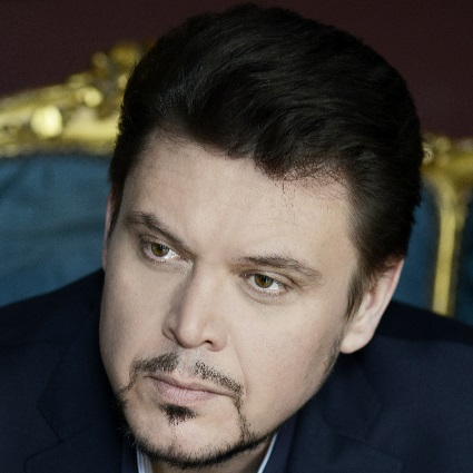 Headshot of Vitalij Kowaljow