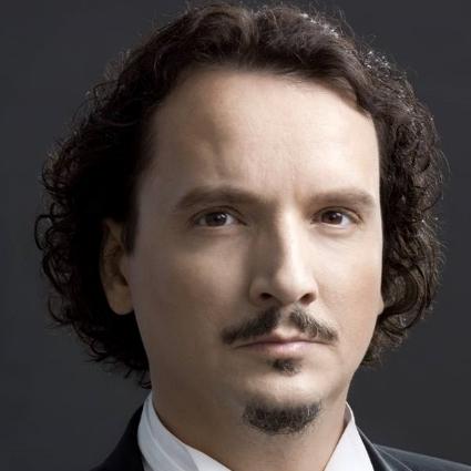 Headshot of Artur Ruciński