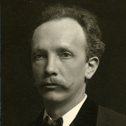 Headshot of Richard Strauss