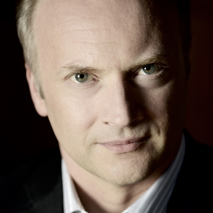 Headshot of Gianandrea Noseda