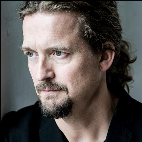 Headshot of Christian Tetzlaff