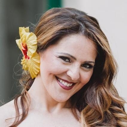 Headshot of Maria Agresta
