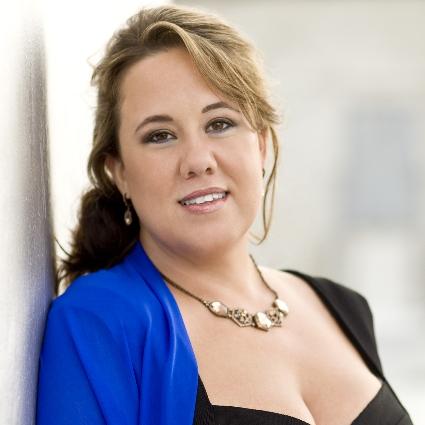 Headshot of Julianna DiGiacomo