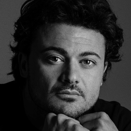 Headshot of Vittorio Grigolo