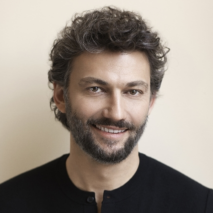 Headshot of Jonas Kaufmann