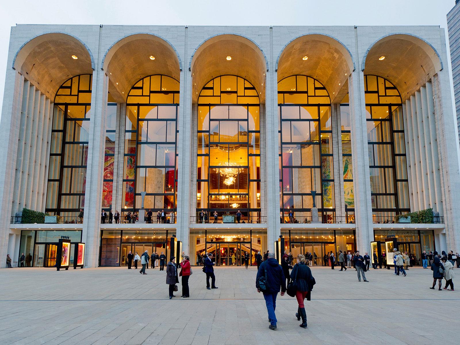 Resultado de imagen de met opera new york