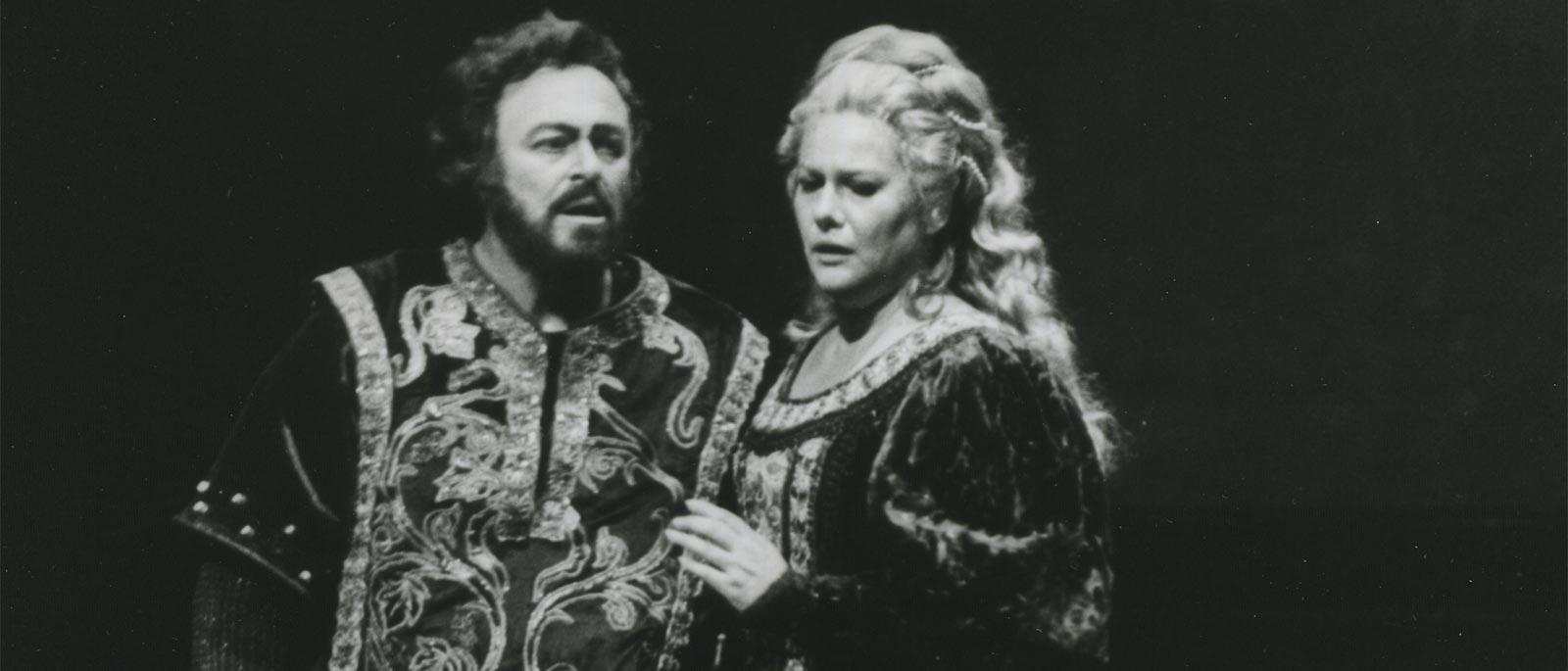 Trovatore Pavarotti, 1600x685.jpg