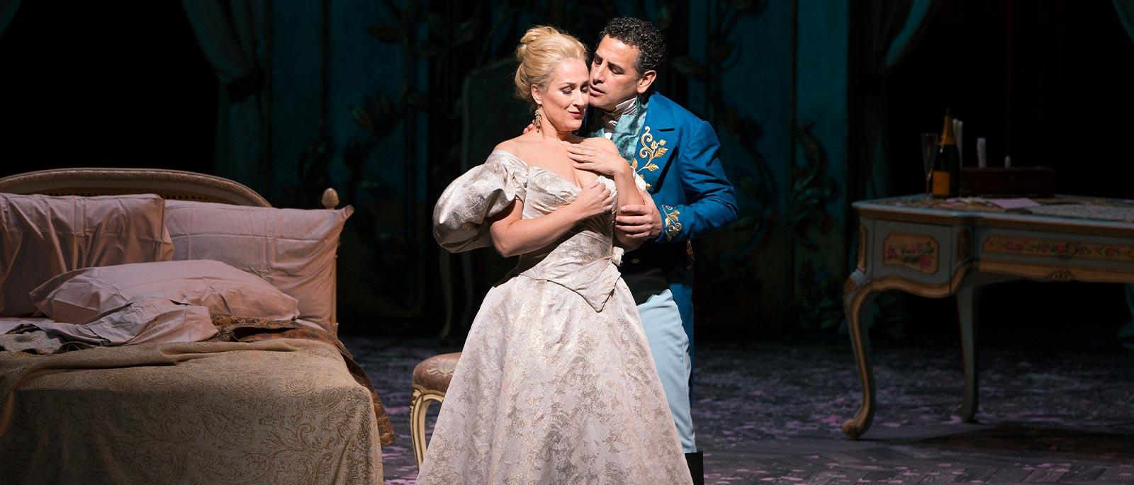 Traviata_0252s 1600x685.jpg