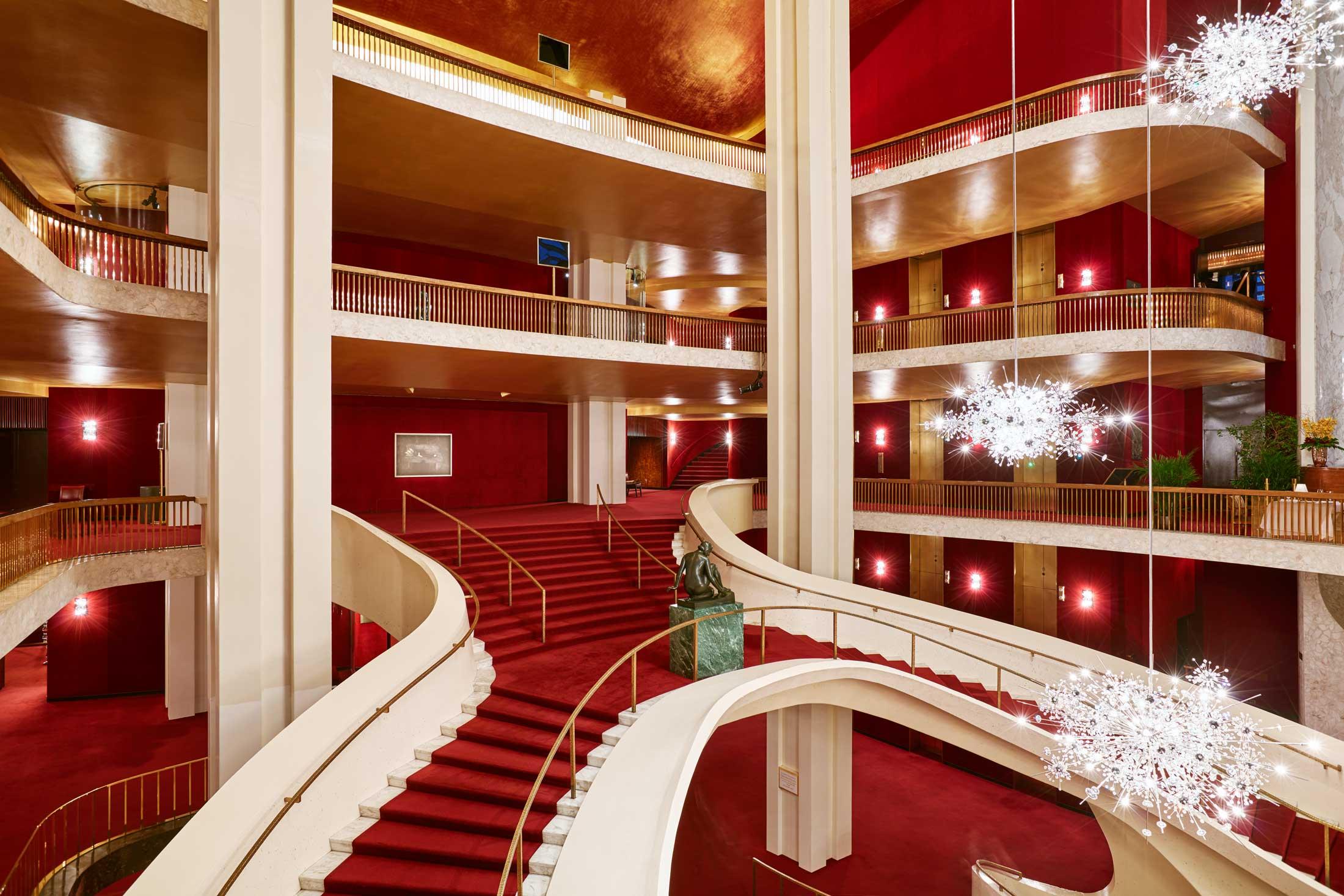 Metropolitan Opera   Desdemona for Celia by Hilton
